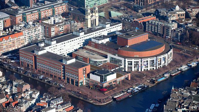 2013-03-04 15:41:57 AMSTERDAM - Een luchtfoto van de Stopera, het Amsterdamse gebouwencomplex van stadhuis en de opera. ANP JERRY LAMPEN
